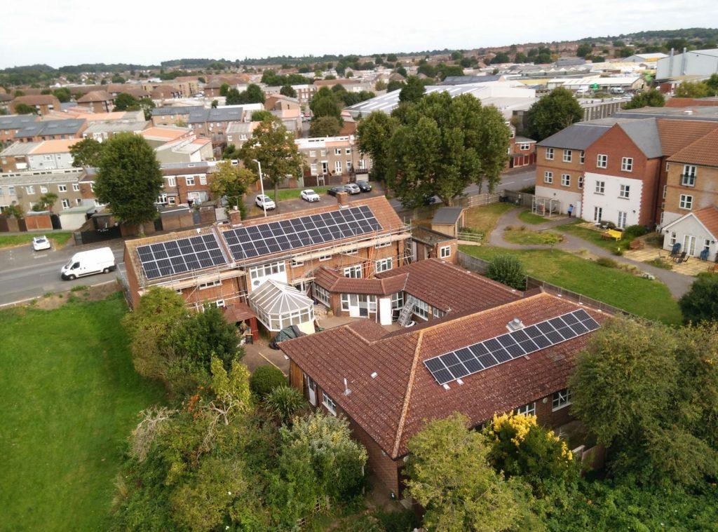 Faringdon Lodge solar panels property